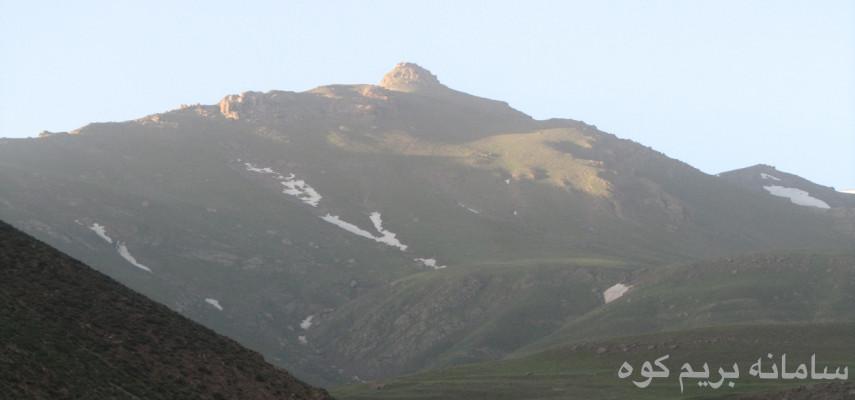 برنامه یک روزه به قله تاج کوه نمارستاق