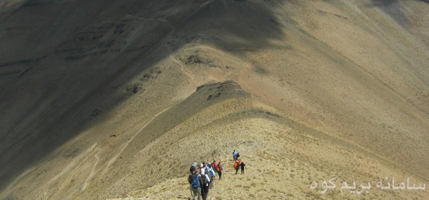 صعود به قله توچال از مسیر امامزاده داوود