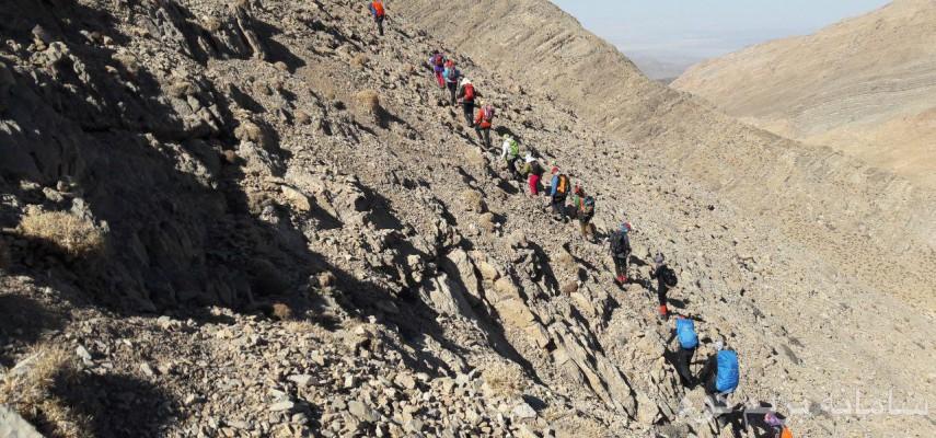 صعود به قله شیر کوه