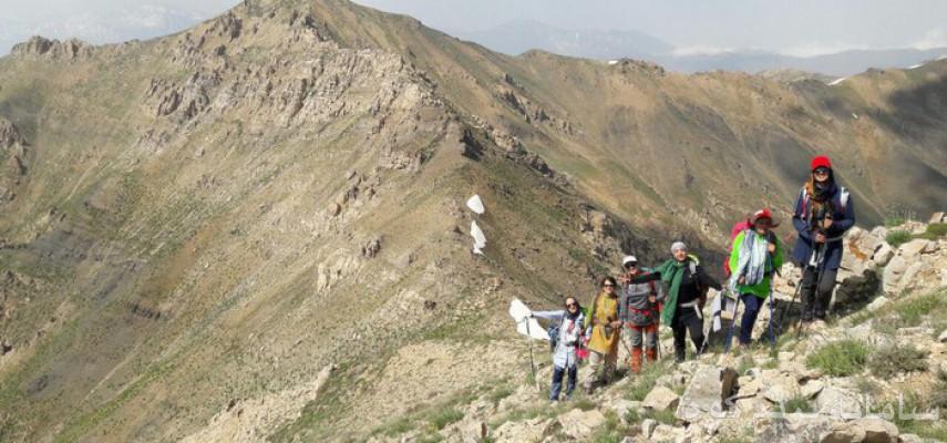 صعود به قله  ایوانه  در منطقه طالقان  ( کرج )