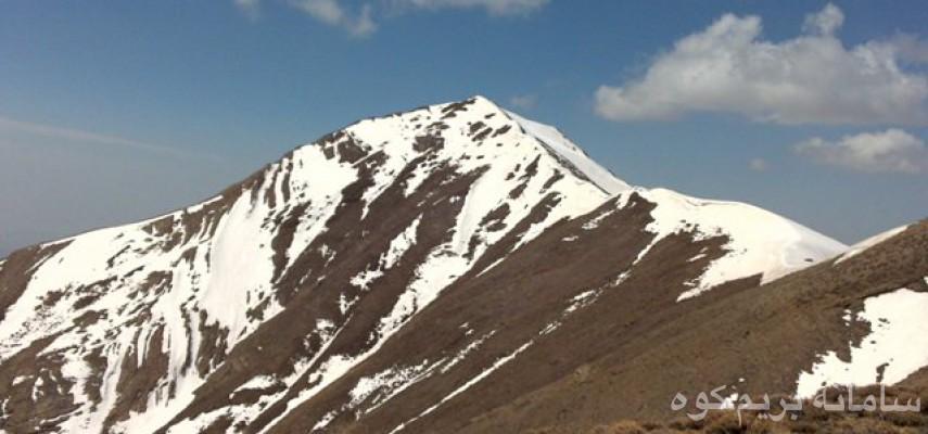 صعودبه قله ۳۳۲۰متری ساکا