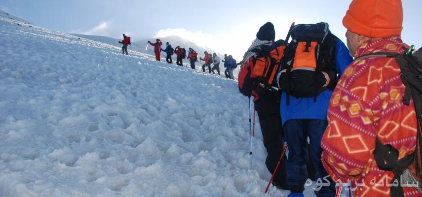 صعود قله اسطوره ای آرارات (5137 متر _ بام ترکیه)
