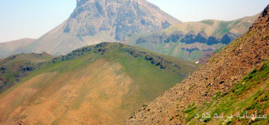 صعود قله آزاد کوه