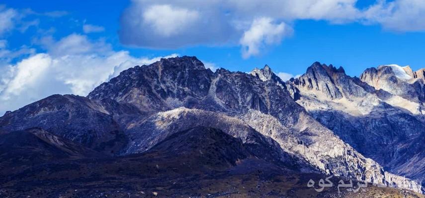 صعود قله علم کوه