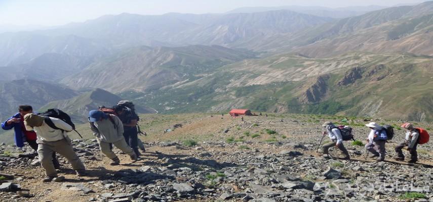 صعود به قله ناز