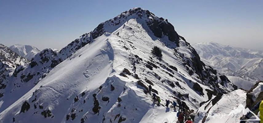 صعودبه قله ۲۹۹۸متری پورا