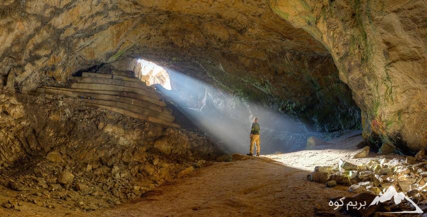پیمایش غار هیو
